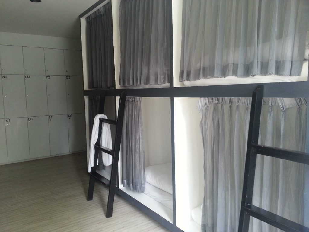 hostel tips and how not to behave in a hostel - Bangkok